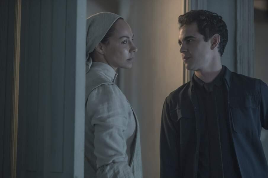 Le personnage de Rita a pris une soudaine ampleur à la fin de la saison 2 de The Handmaid's Tale