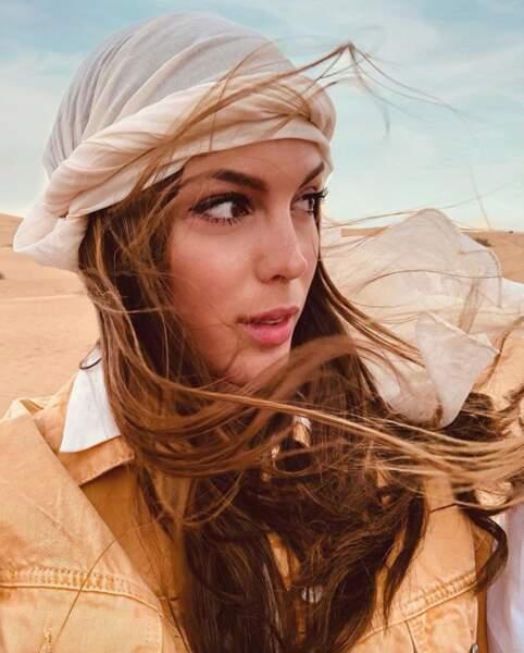 Iris Mittenaere s'est offert une escapade dans le désert de Dubaï.