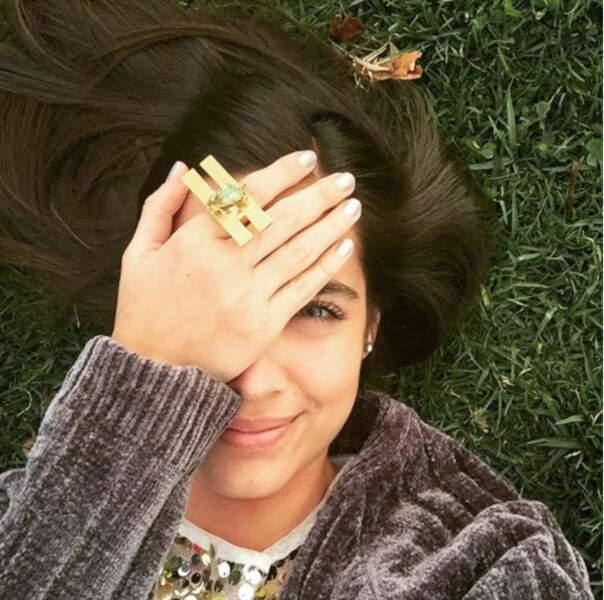 Côté bijoux, la jeune femme a des goûts particuliers...