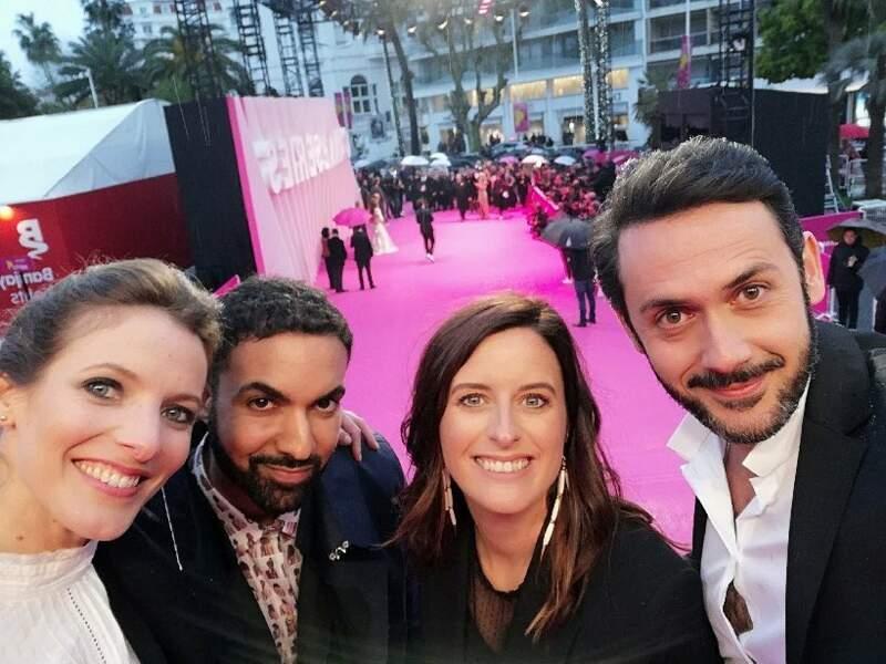 Selfie obligé sur les marches pour Elodie Varlet, Joakim Latzko, Anne Decis et Emanuele Giorgi