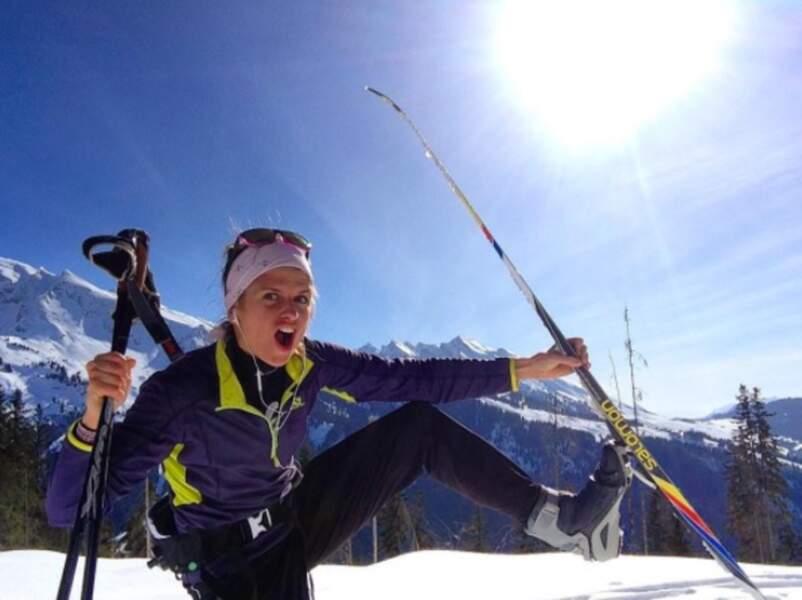 Grande sportive, elle touche à tout, comme ici lors d'une balade en ski de fond