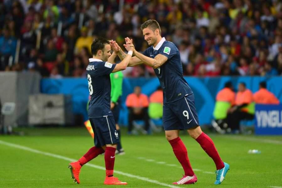 Allez, hop, un petit check à Olivier Giroud et ça repart !