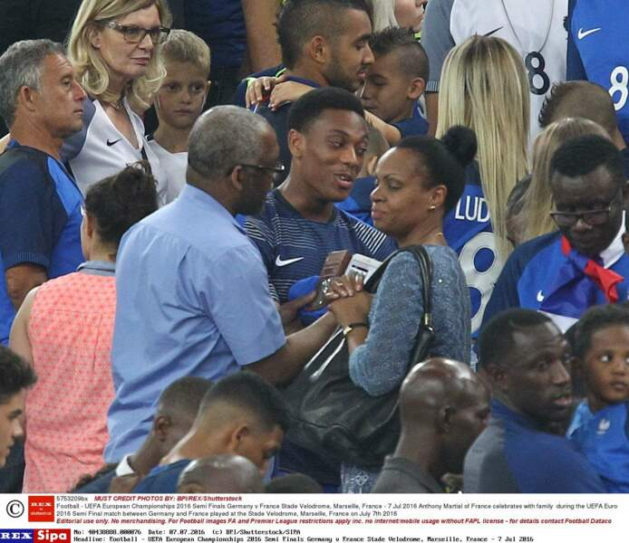 Les Bleus ont tous rejoint leurs proches dans les tribunes
