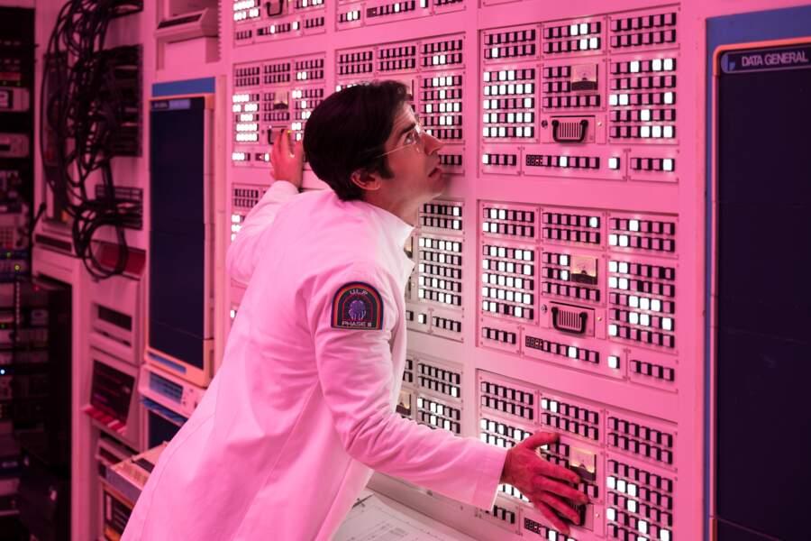 Dans le rôle du docteur un peu fou, Justin Theroux (The Leftovers)