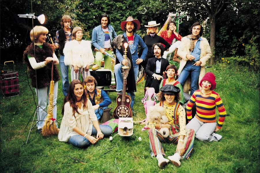 Attention mesdames et messieurs, voici l'ex-troupe de Michel Fugain. Un vrai Big Bazar du style hippie !