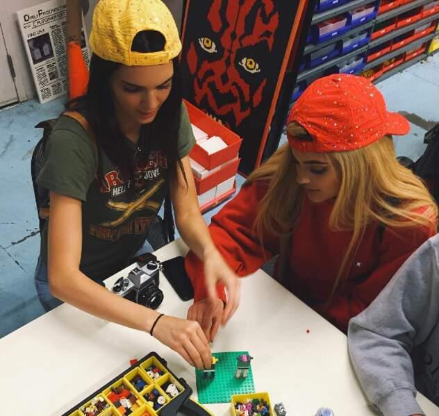 Avant de s'éclater à LegoLand avec sa soeur Kendall.