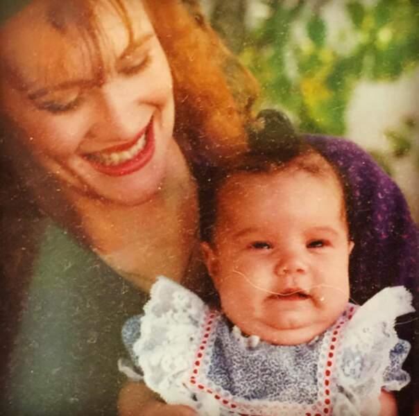 Qui est ce bébé joufflu ? C'est Demi Lovato (oui, on ne la reconnait pas).