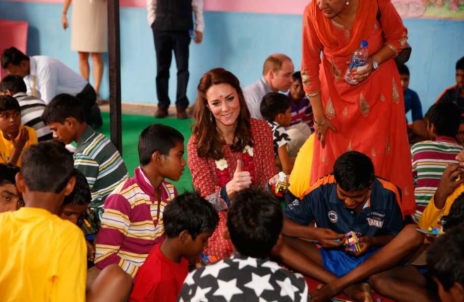 Le sourire et la facilité d'accès de la duchesse font aussi mouche