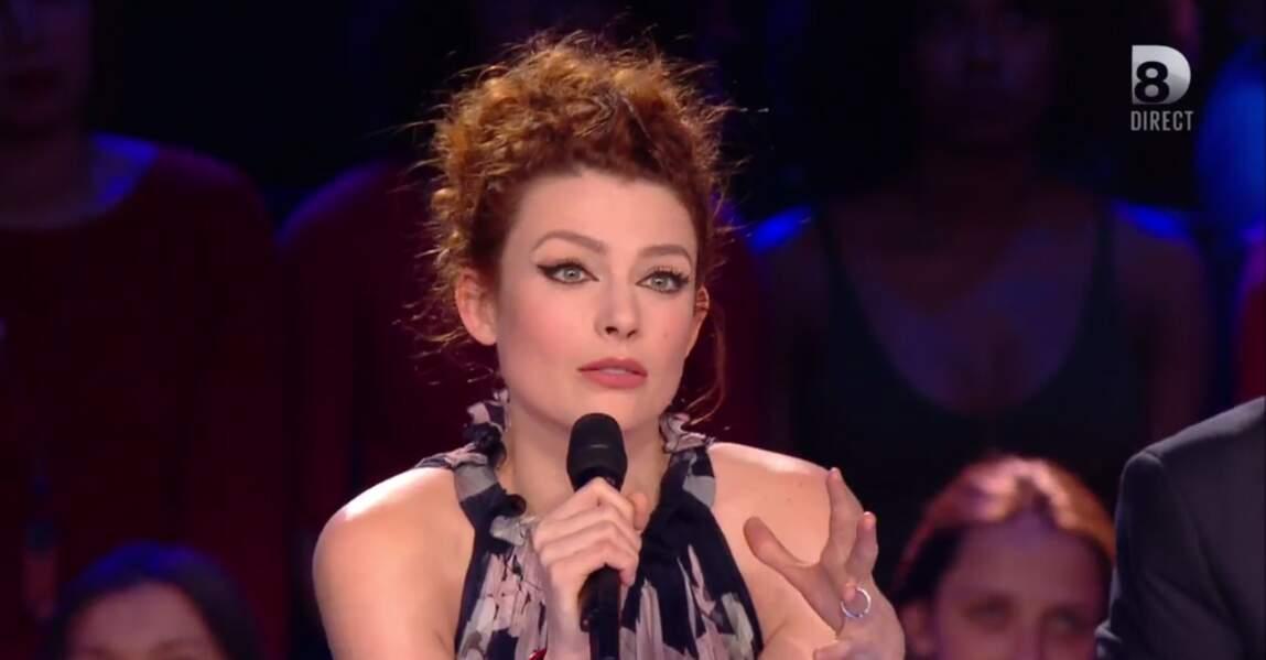 Elodie Frégé superbe sur le plateau de Nouvelle Star !