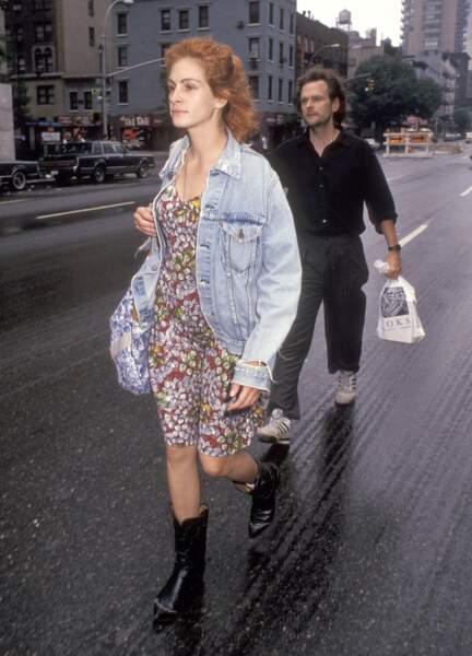 Juillet 91 Julia sort avec le réalisateur James Foley