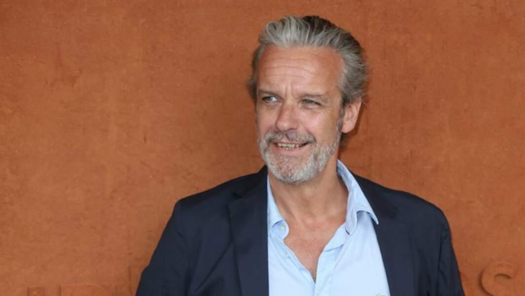 L'ex manager d'Hélène et les garçons a travaillé sur Léo Matteï après une apparition dans Fais pas ci fais pas ça.