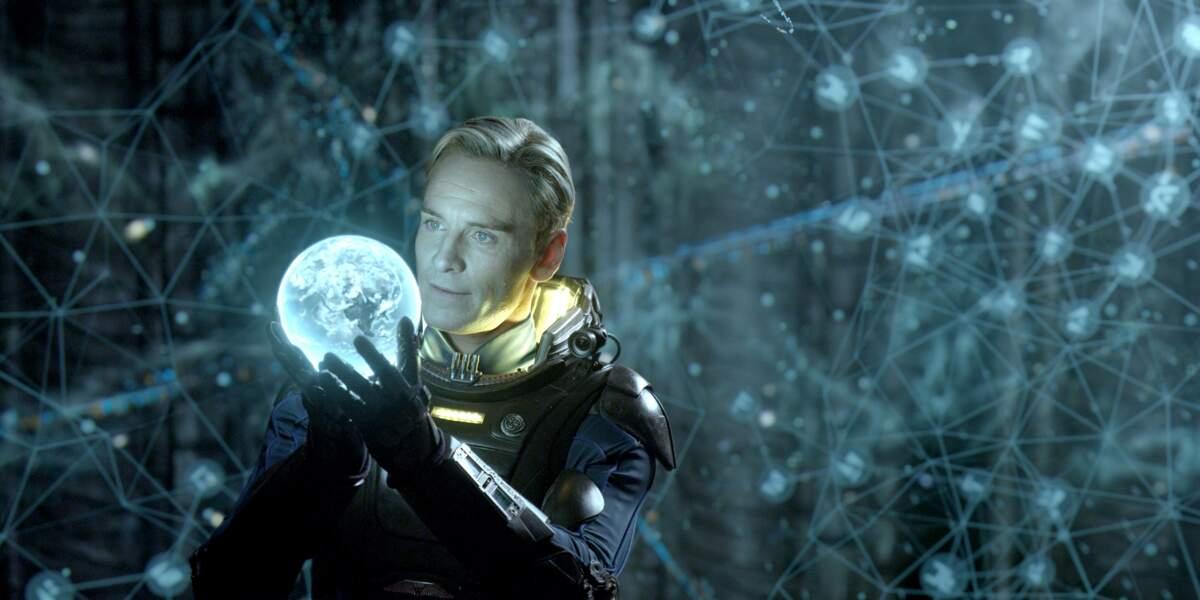 Blond platine pour incarner l'androïde David dans Prometheus. A noter qu'il rempilera dans le second volet.