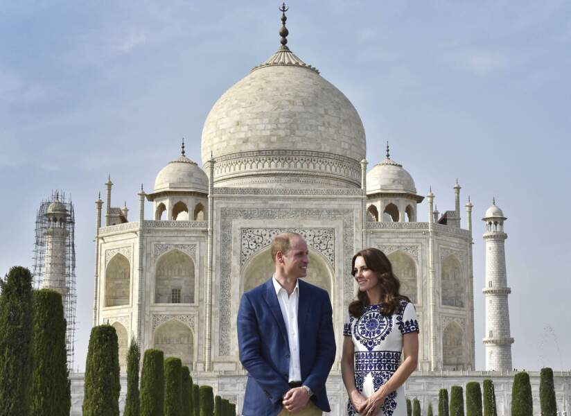 Puis ils visitent le Taj Mahal, temple de l'amour éternel