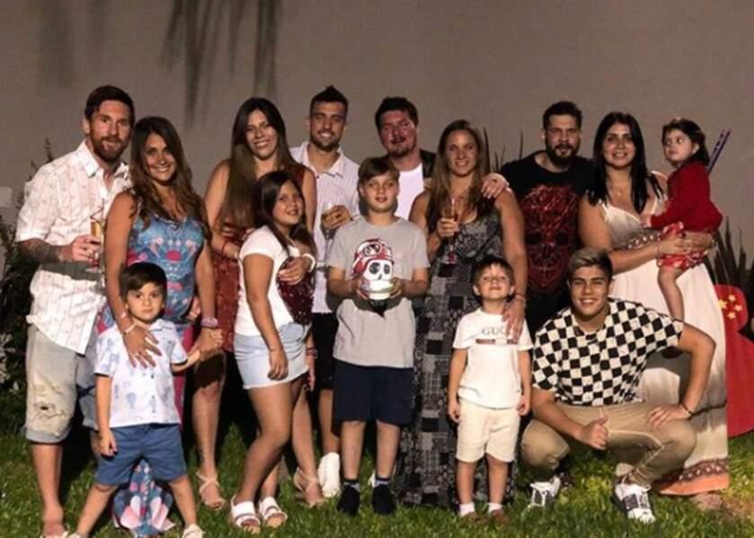 Lionel Messi profitait également de ses proches et de son épouse, Antonella Roccuzzo