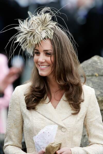 Mais l'année suivante la jolie brune sera présente au mariage de Laura, la fille de Camilla