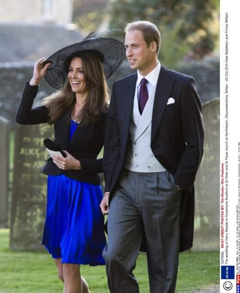 Kate et William arrivent ensemble, une première, au mariage de leurs amis Harry Meade et Rosie Bradford