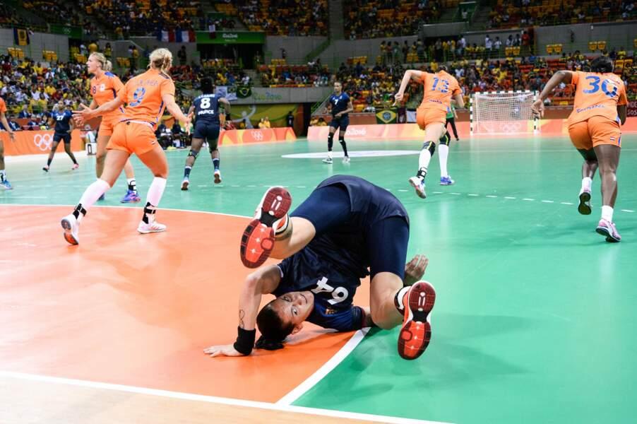 Les handballeuses françaises font du break dance