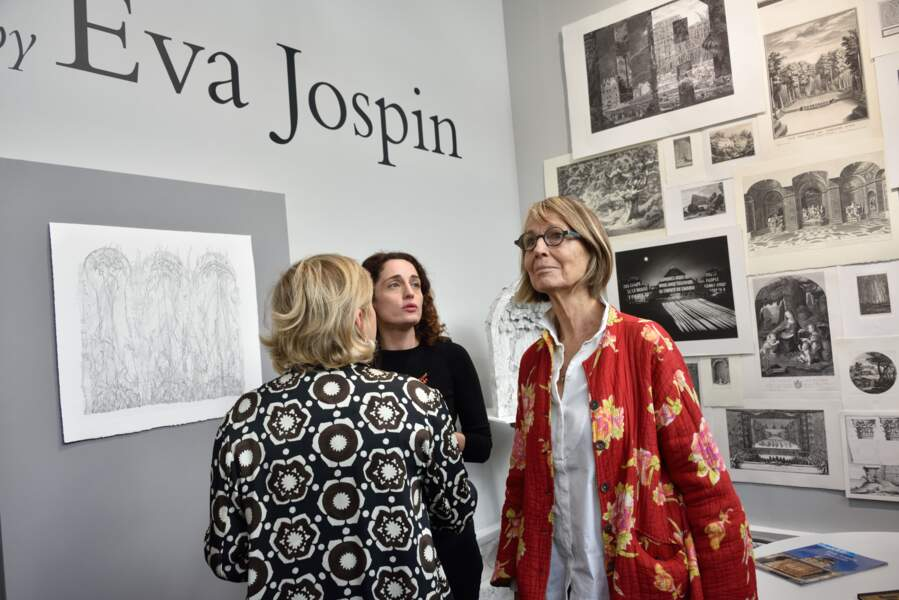 La ministre de la Culture, Françoise Nyssen, a pour sa part fait un tour chez l'artiste Eva Jospin...