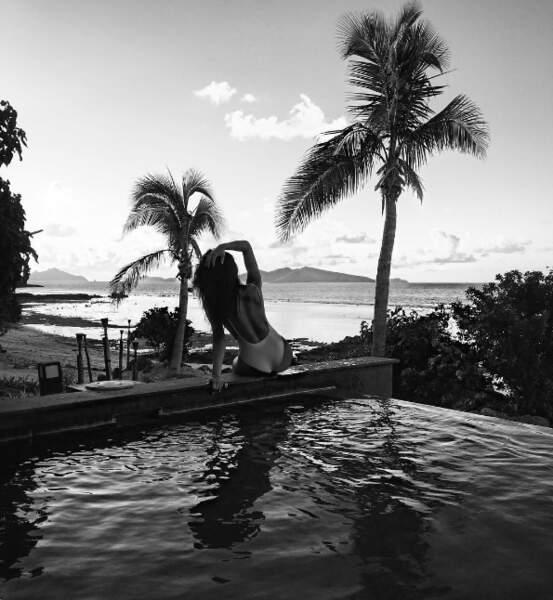 Et dans la famille des gens toujours en vacances, il y a aussi Shay Mitchell à Fiji.