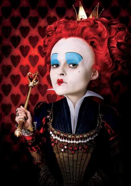 Helena Bonham Carter incarne la tyrannique majesté dans les versions live