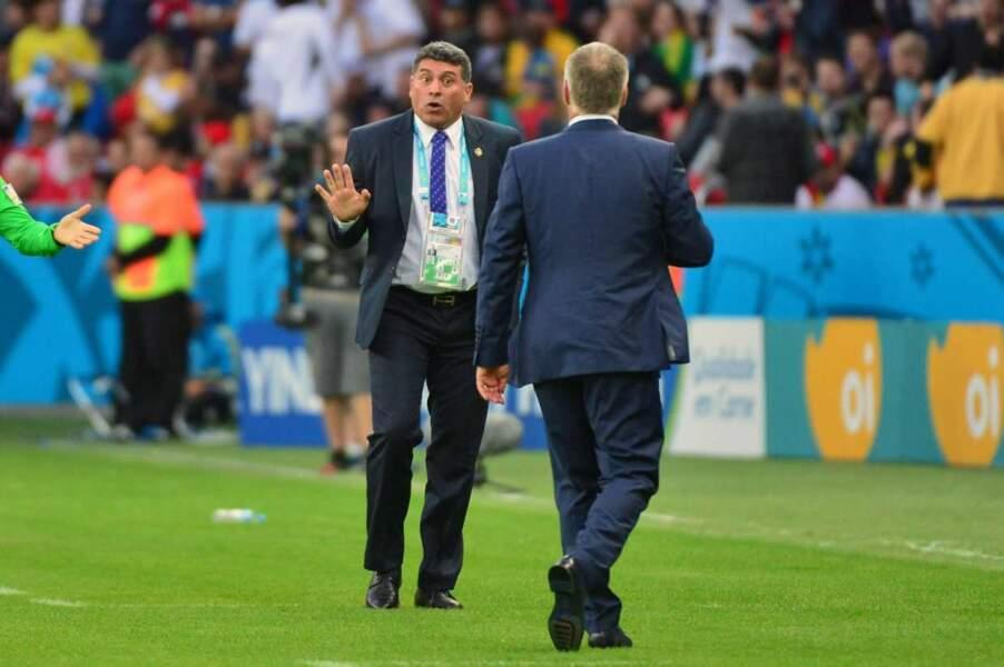Pourtant, il y a eu de l'ambiance : comme cette petite discussion entre Luis Suarez et Didier Deschamps