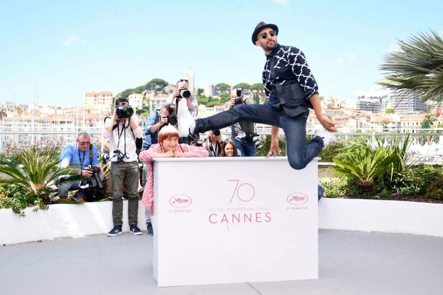 Le sautillant JR et Agnès Varda font le show pour le film Visages villages