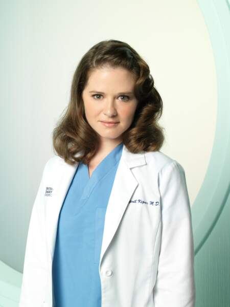 Depuis la saison 5, April Kepner (Sarah Drew) incarne le renouveau du casting