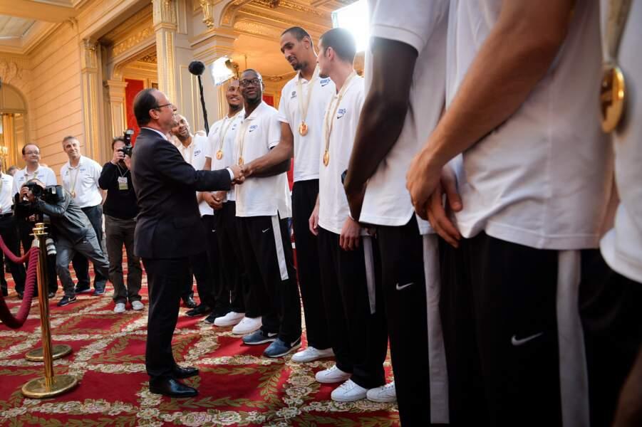 Septembre 2013 : Ils sont vraiment très très grands les basketteurs français champions d'Europe !