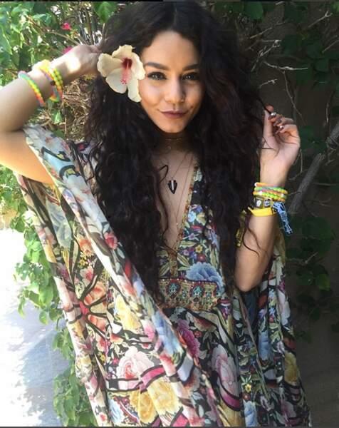Vanessa Hudgens en mode hippie