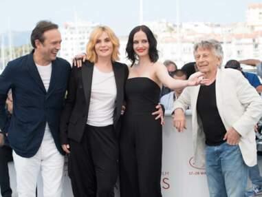 Cannes 2017 : le baiser d'Eva Green et d'Emmanuelle Seigner devant les photographes