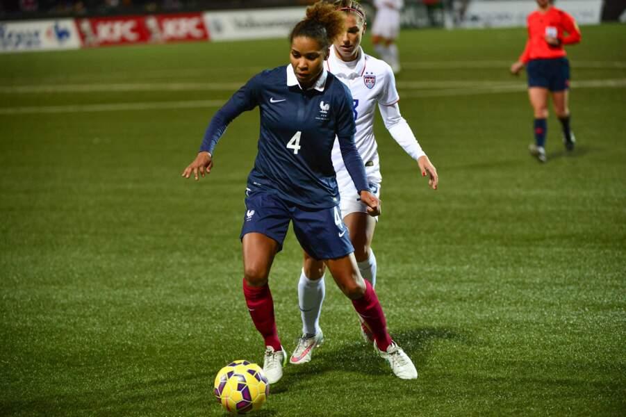 Avec 159 sélections, Laura Georges est celle qui a le plus porté le maillot bleu dans l'équipe