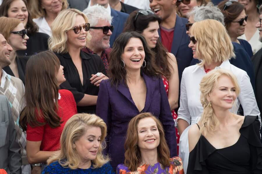 Juliette Binoche hilare, avec aussi Nicile Kidman, Catherine Deneuve ou Isabelle Huppert