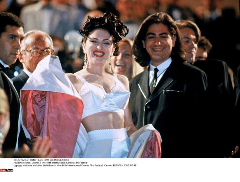 1991 : Madonna déboule sur le tapis rouge dans une tenue provocante signée Jean-Paul Gaultier