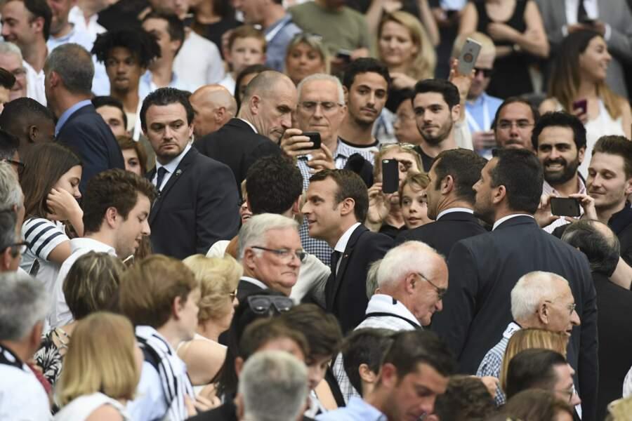 Pour l'occasion, le Président s'est offert un bain de foule...