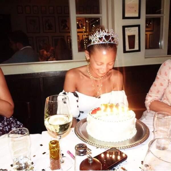 Et on souhaite un bel anniversaire à Nicole Ritchie.