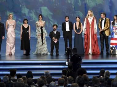 Emmy Awards 2019 : Sophie Turner, Emilia Clarke, Catherine Zeta-Jones, Zendaya…Défilé glamour sur le tapis rouge