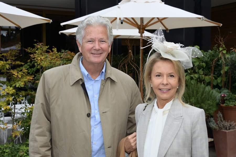 Pierre Dhostel, le fils de Pierre Bellemare, et son épouse Carole