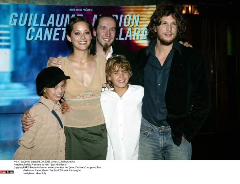 Elle pose avec Guillaume Canet et l'équipe du film