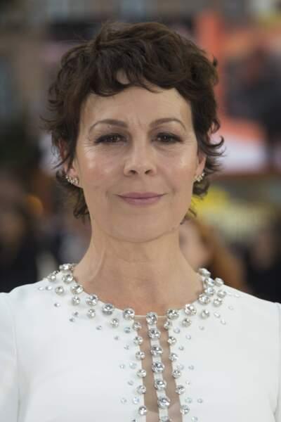 Elle est incarnée par la comédienne Helen McCrory