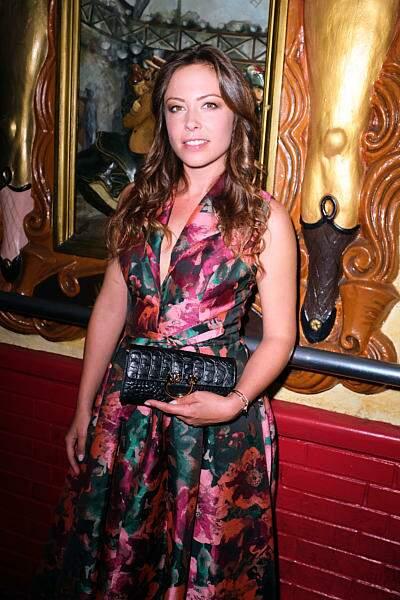 Dounia Coesens alias Johanna Marci dans Plus belle la vie