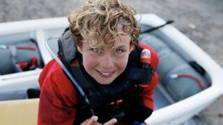 A 12 ans, il bat le record de la traversée de la Manche en solitaire !