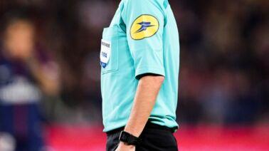 Supercoupe d'Europe : qui est Stéphanie Frappart, l'arbitre qui révolutionne le football ?
