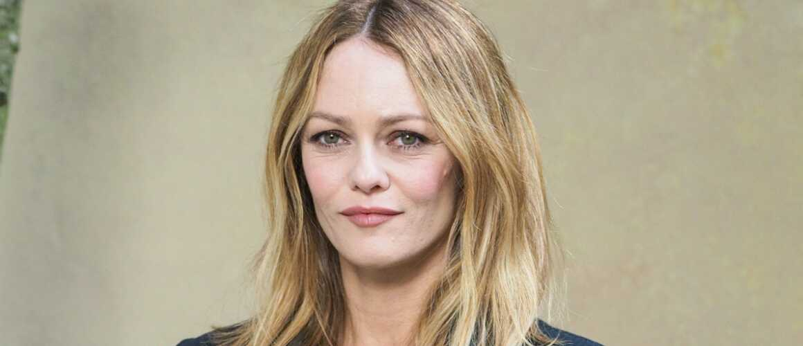 vanessa paradis annonce la sortie d un nouvel album apr s 5 ans d absence. Black Bedroom Furniture Sets. Home Design Ideas