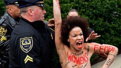 Une actrice du Cosby Show a protesté seins nus lors du procès de l'acteur Bill Cosby