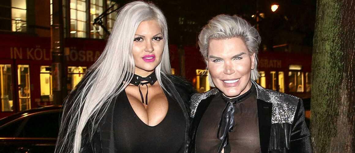 """Barbie Humaine Et Ken le """"ken humain"""" se déguise en barbie, son père milliardaire le"""