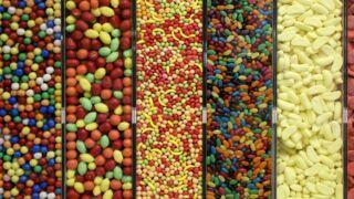 Dioxyde de titane : l'additif présent dans les bonbons et plats préparés  bientôt interdit !