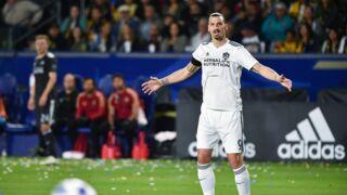 Zlatan Ibrahimovic gifle un adversaire en plein match et se fait expulser ! (VIDÉO)