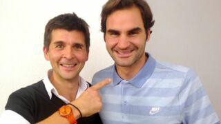 """Thomas Sotto : """"Si j'avais voulu écrire une biographie classique sur Roger Federer, je ne me serais pas senti légitime"""""""