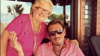 En pleine forme, Mamie Rock donne un concert en hommage à Johnny Hallyday avec un ancien des Musclés (VIDEO)