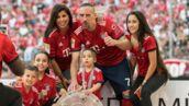 Franck Ribéry affiche ses abdos en vacances... pour le plus grand bonheur de sa femme (PHOTOS)